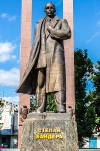 depositphotos_69446169-stock-photo-monument-to-stepan-bandera-in